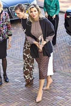 """9 May 2019 - Queen Maxima attends the opening of """"Future of Health Coverage"""" conference in Amsterdam - dress by Giambattista Valli King Alexander, Royal Uk, Royal Clothing, Casa Real, My Fair Lady, Queen Maxima, Royal Fashion, Her Style, Black And Brown"""