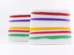 Jelly Loaf Soap!  This soap making tutorial shows you how to layer melt & pour soap base with Jelly Soap base.  Step-by-step tutorial with photos.  Get creative with colors and scents! #soapmaking Tutorial by www.TheCraftingLibrary.com