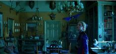 "I can't waiiiiiiiit!!!!!!!!! Disney Has Released The First Two Teasers For Tim Burton's ""Alice Through The Looking Glass"""