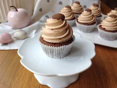 Mini Pavlovy - Víkendové pečení Brownie Cupcakes, Cheesecake Brownies, Mini Cupcakes, Diy And Crafts, Food And Drink, Sweets, Baking, Desserts, Blog