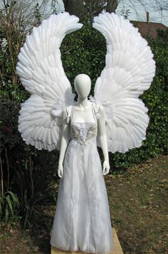 diy angel wings made with paper plates can use this design for tombstone weeping mourners and paint with drylok to waterproof them for outdoor u - Halloween Costumes Angel Wings
