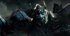 Transformers: The Last Knight  por fin ha estrenado su teaser trailer , donde regresan los Autobots...