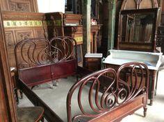 Prachtige antieke slaapkamer met engeltjes..... Te koop bij Medussa ...