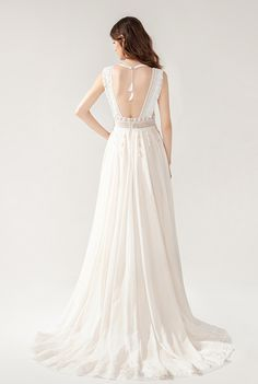 Harmony - BRIDAL - Chic Nostalgia - Bohemian and Romantic Wedding Dresses Bohemian Bride, Wedding Dress Styles, Romantic Weddings, Bridal Gowns, Nostalgia, Fashion Dresses, Wedding Day, Chic, Unique
