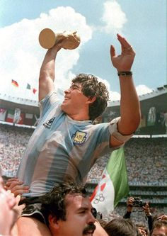 Legends Football, Football Icon, Best Football Players, Retro Football, World Football, Soccer Players, Argentina Football, Arte Do Harry Potter, Diego Armando