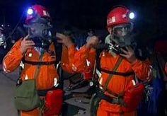 12-May-2013 9:27 - VEEL DODEN NA EXPLOSIE MIJN CHINA. Bij een explosie in een Chinese kolenmijn zijn 28 mijnwerkers om het leven gekomen. Volgens voorlopige cijfers raakten 16 mensen gewond. Volgens de autoriteiten konden ruim 80 mijnwerkers uit de mijn worden gered. De explosie gebeurde gisteren bij de stad Luzhou in het midden van het land. Het was het tweede mijnongeluk in nog geen 24 uur in China. Vrijdag kwamen bij een gasexplosie in een kolenmijn in hetzelfde gebied 12 mijnwerkers...