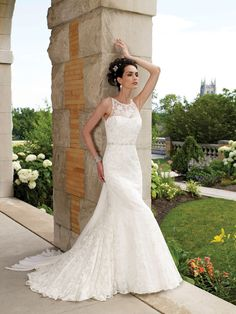 Sleeveless Lace Slim A-line Wedding Dress with Hand-beaded Boat Neckline