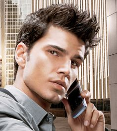 Spiky Hair CutWhen it comes to style for men, their hairstyles are usually left behind. It's usually all about the clothes, everything about the accessories and secure about the shoes. Therefore, spiky hair styles for men have become so popular becau. Mens Spiked Hairstyles, Cool Hairstyles For Men, Boy Hairstyles, Cool Haircuts, Haircuts For Men, Men's Haircuts, Hairstyle Men, Classy Hairstyles, Latest Hairstyles