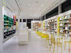 SantaCruz Pharmacy by Marketing Jazz, Santa Cruz de Tenerife store design