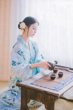 POCO摄影 Kimono Japan, Japanese Kimono, Japanese Girl, Cute Manga Girl, Asian Photography, Cute Kimonos, Japan Woman, Japanese Outfits, Japanese Beauty