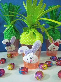 AJ Artes - Lembrancinha de Páscoa cenourinha Happy Easter, Easter Bunny, Easter Eggs, Diy And Crafts, Crafts For Kids, Easter Activities, Dollar Store Crafts, Spring Crafts, Easter Baskets