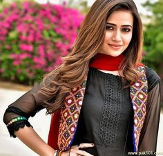 Best 12 Image may contain: 2 people, people standing Pakistani Frocks, Pakistani Formal Dresses, Pakistani Fashion Casual, Pakistani Dress Design, Pakistani Outfits, Pakistani Actress, Pakistani Dramas, Stylish Dresses For Girls, Stylish Dress Designs