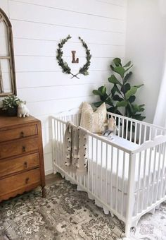 Girl Nursery Ideas - Bring your infant girl home to a charming and useful nursery. Here are some baby girl nursery design ideas for all of your decor, bed linens, as well as furnishings . Baby Boy Rooms, Baby Boy Nurseries, Gender Neutral Nurseries, Baby Bedroom Ideas Neutral, Room Baby, Gender Neutral Baby, Green Baby Rooms, Gray Neutral Nursery, Room For Baby Girl