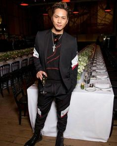 Tosaka Hiroomi [Dior Homme] 三代目j Soul Brothers, Japanese Artists, Full Moon, Suit Jacket, Outfits, People, Hair, Inspiration, Instagram