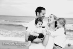 © Favorite Photography | Family Photography / Family Portraits / Beach Family Pictures / Natural Light Portraits