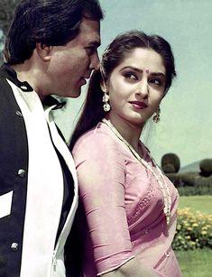 Retro Bollywood: Photo Vintage Bollywood, Bollywood Girls, Bollywood Stars, Bollywood Celebrities, Beautiful Bollywood Actress, Beautiful Indian Actress, Beautiful Actresses, Indian Natural Beauty, Indian Beauty Saree