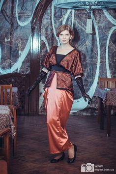 エドワードのオレンジと黒のダウンタウン修道院 1910年タイタニック時代ドレス衣装