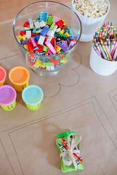 A Ridiculously Easy Kids Table to Keep Them Entertained! - A Ridiculously Easy Kids Table to Keep Them Entertained! Tips for a Ridiculously Easy Table to Keep Kids Entertained for any Party Kids Table Wedding, Wedding With Kids, Diy Wedding, Wedding Decorations, Trendy Wedding, Fun Wedding Reception Ideas, Reception Party, Baptism Table Decorations, Kids Party Centerpieces