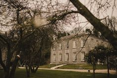 Stunning Millhouse wedding, Co Meath! Romantic Wedding Photos, Indoor Ceremony, Just Engaged, Wedding Venue Inspiration, Irish Wedding, Park Homes, Hotel Spa, Lake View, Confetti
