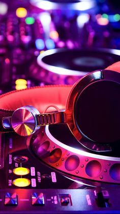 Dj Pics, Dj Photos, House Music, Music Is Life, Armin Van Buuren, Edm Music, Dance Music, Dj Images, Dj Setup