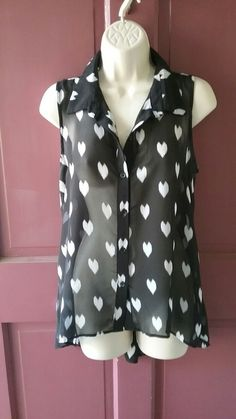 d736f0fa7 Black and white heart top