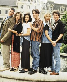 FRIENDS -- Season 1 -- Pictured: (l-r) David Schwimmer as Ross Geller, Jennifer Aniston as Rachel Green, Courteney Cox as Monica Geller, Matt LeBlanc as Joey Tribbiani, Lisa Kudrow as Phoebe Buffay, Matthew Perry as Chandler Bing  -- (Photo by Reisig & Taylor/NBC/NBCU Photo Bank via Getty Images)