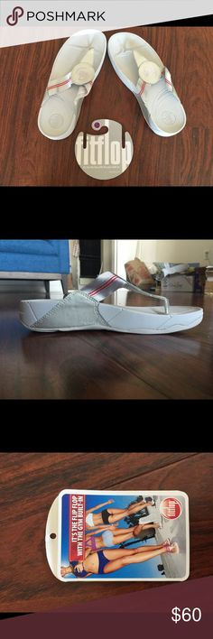 New White/Silver Fitflop Walkstar Sandals Brand New with tags. These Fitflops at known to be the most comfortable shoes in the world. Feel free to ask me any questions. FitFlop Shoes Sandals