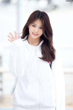 "Twice ""Tzuyu"" ❤💋🌿🌺🌻🍀 Kpop Girl Groups, Korean Girl Groups, Kpop Girls, Nayeon, Tzuyu Body, Twice Tzuyu, K Pop, Chou Tzu Yu, Sana Minatozaki"