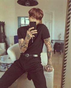 KOOKMIN🌸🍃 | ARMY's Amino Amino Ootd Men, Mode Swag, Moda Blog, Look Man, Mode Streetwear, Streetwear Fashion, Mode Vintage, Mode Style, Hot Boys