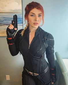 All my cons were cancelled but I still wore my Black Widow cosplay at home :) : pics Black Widow Cosplay, Black Widow Diy, Black Widow Makeup, Black Widow Outfit, Black Widow Halloween Costume, Halloween Outfits, Female Halloween Costumes, Amazing Cosplay, Best Cosplay