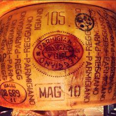 Parmigiano Reggiano German Cheese, English Cheese, Dutch Cheese, French Cheese, Italian Cheese, Swiss Cheese, Pureed Food Recipes, Cheese Recipes, Italian Deli