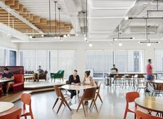 Browse and discover thousands of office design and workplace design photos - tagged and curated to make your search faster and easier. Workspace Design, Office Workspace, Office Interior Design, Office Interiors, Home Interior, Interior Architecture, Futuristic Architecture, Open Space Office, Ikea Office