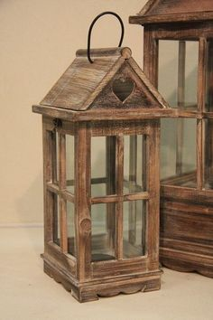 Casa dei sogni in 2020 Diy Wooden Projects, Wooden Crafts, Wooden Diy, Rustic Lanterns, Lanterns Decor, Lantern Crafts, Outdoor Lamp Posts, Wood Candle Holders, Wood Lamps