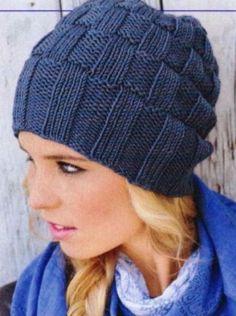 Связать такую крутую шапку спицами сможет даже новичок!