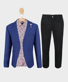 An ideal colour that is in between formal and laid back is royal blue. 💙  #SIRRI #sirriuk #sirriformalclothing #boysuits #boysfashion #boyswear #instafashion #instagood #vip #handsome #world #love #mother #kids