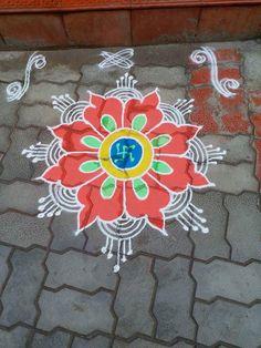 Simple Rangoli Border Designs, Rangoli Designs Flower, Free Hand Rangoli Design, Small Rangoli Design, Rangoli Ideas, Rangoli Designs With Dots, Rangoli Designs Diwali, Kolam Rangoli, Mehndi Art Designs
