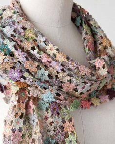 Luty Artes Crochet: Cachecóis de flores de crochê