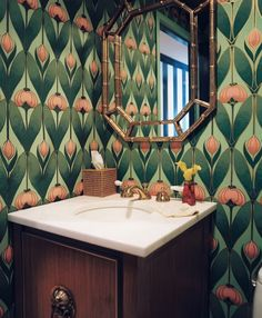 art deco wallpaper - http://www.homedecoras.net/art-deco-wallpaper
