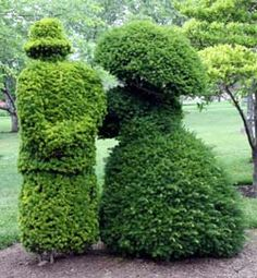 "Columbus Ohio Topiary depiction of ""Sunday Afternoon on the Island of La Grande Jatte"""