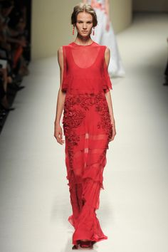 1. Alberta Ferretti (S/S 2014): Resembles Doric chiton because of the sleeveless look.