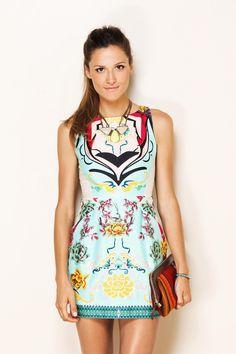 Não sou de gostar da Farm, mas esse vestido tá sem explicação de lindo!