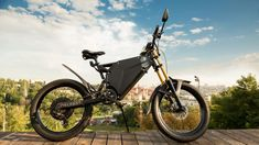 The DelFast eBike tops out at 236 miles and is aimed at those who like to enjoy long-distance trips both in and out of urban areas. Mountain Biking Quotes, Mountain Biking Women, Mountain Bike Trails, Electric Dirt Bike, Electric Mountain Bike, Mountain Bike Helmets, Digital Trends, Dirt Bikes, Things To Come
