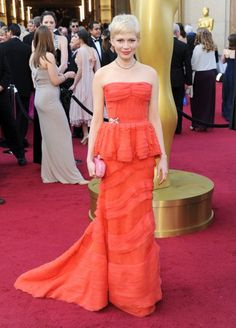 Michelle Williams in Louis Vuitton dress. Michelle Williams, Stunning Dresses, Nice Dresses, Oscar 2012, Star Fashion, Girl Fashion, Vestidos Oscar, Louis Vuitton Dress, Oscar Dresses