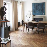 どこか懐かしくて、上品な雰囲気。ヘリンボーン床の素敵なインテリアまとめ Decor, Desk, Furniture, House, Home Decor, Room, Office Desk, Dining, Dining Room