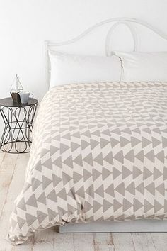 UO Urban Outfitters Anthropologie Magical Thinking Triangle Chain Duvet Cover | eBay