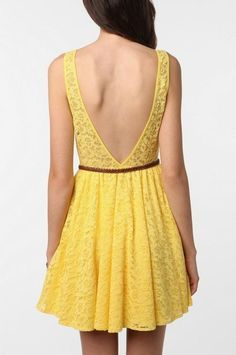 low back, yellow lace dress. Love.