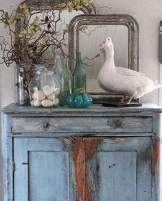 Interior decoration with soul and patina. Vesterbrogade 1800 Frederiksberg C. Rustic Beach Decor, Beach House Decor, Blenheim House, Country Boutique, Taxidermy Decor, French Country Farmhouse, Old Lights, Entrance Decor, Vintage Decor