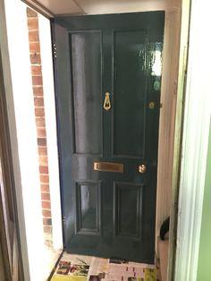 Inchyra Blue front door #farrowandball #inchyrablue Black Front Doors, Exterior Front Doors, Curb Appeal Porch, Inchyra Blue, Exterior Paint Colors, Paint Colours, Wren House, Farrow Ball, Colour Schemes