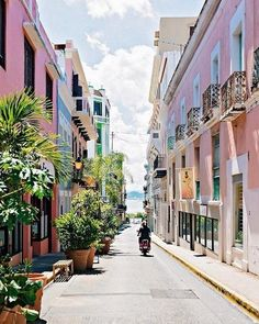 Only seven square blocks, the walled city of Old San Juan might be lacking in size, but it is not lacking in history, enchanting vistas, or colonial architecture splashed in the city's signature tropical hues.