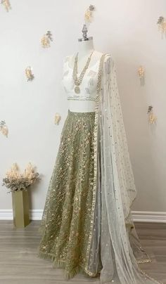 Champagne Colour, Sangeet Outfit, Pool Party Outfits, Lehenga Skirt, Cocktail Outfit, Lace Bride, Winter Bride, Bohemian Bride, Indian Designer Wear